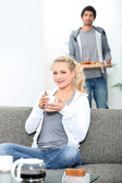 Couple eating breakfast together at home — Stock Photo