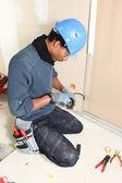 Installazione sistema di cablaggio elettricista — Foto Stock
