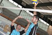 Volley topu oyuncu eylemi — Stok fotoğraf