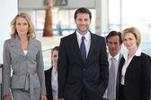 Portrait d'une équipe de commerciaux — Photo