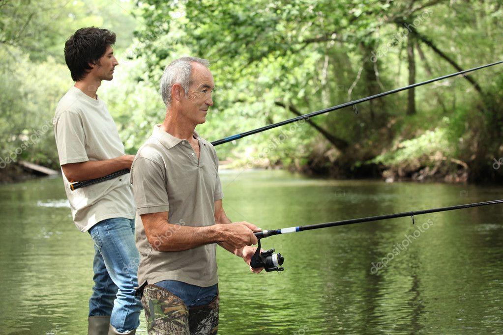 на рыбалке отец с сыном поймали 15 рыбок сколько поймал сын