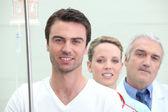 Um paciente, uma enfermeira e um médico — Foto Stock