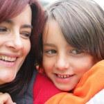 Portret van een moeder en kind — Stockfoto
