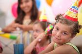 Dziewczynka na urodziny — Zdjęcie stockowe