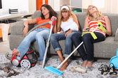 Trött av hushållsarbete — Stockfoto