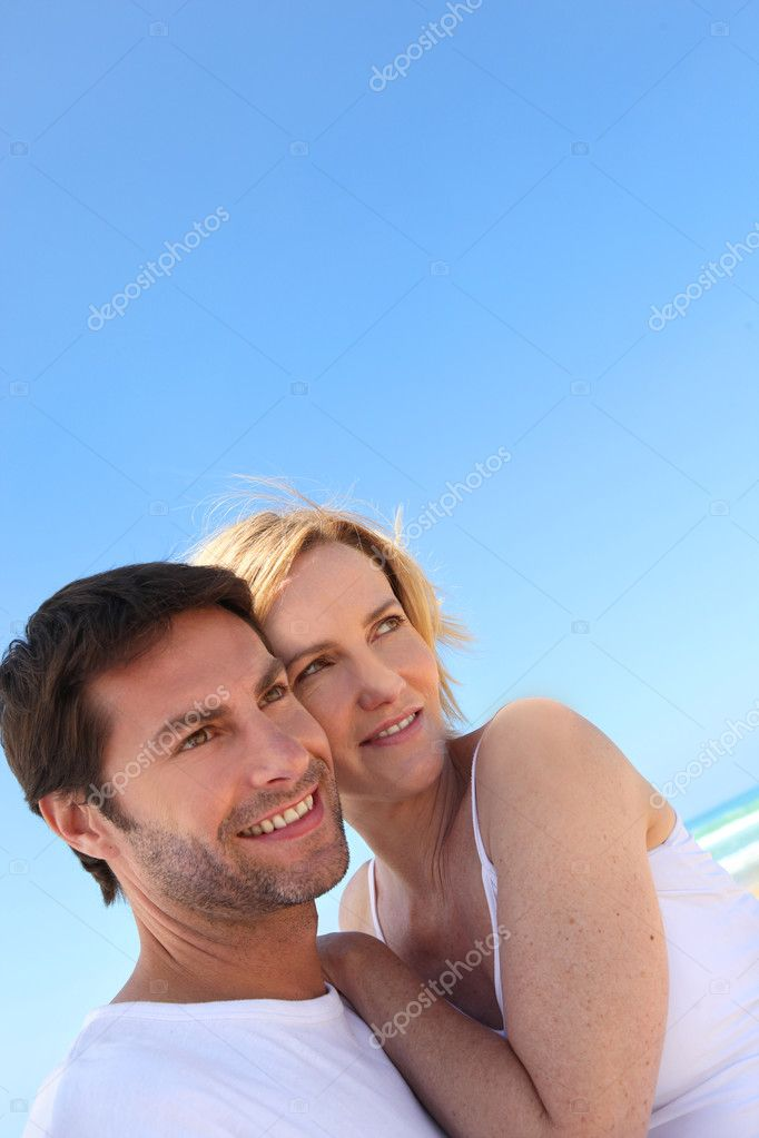 Couple on the beach — Stock Photo #8971708