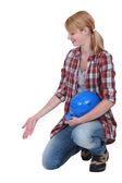 Female builder gesturing — Stock Photo