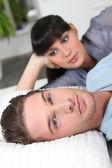 Ragazzo, ignorando la sua fidanzata — Foto Stock