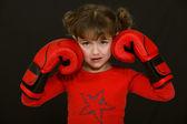 Niña con guantes de boxeo — Foto de Stock