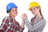 Dos mujeres artesanas pulseada — Foto de Stock