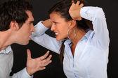 Una pareja teniendo una pelea. — Foto de Stock
