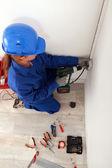 Electricista femenino — Foto de Stock