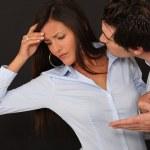 pareja joven teniendo una discusión — Foto de Stock