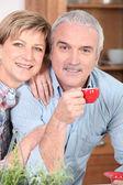 Man and woman having coffee — Stock Photo
