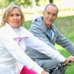 Senior em bicicletas — Foto Stock