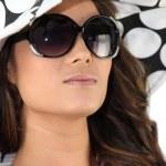 Young woman wearing sunglasses — Stock Photo