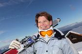 Senior donna su una vacanza di sci — Foto Stock
