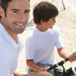 Father and son bonding during fishing trip — Stock Photo #9605206