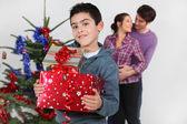 Young family at Christmas — Fotografia Stock
