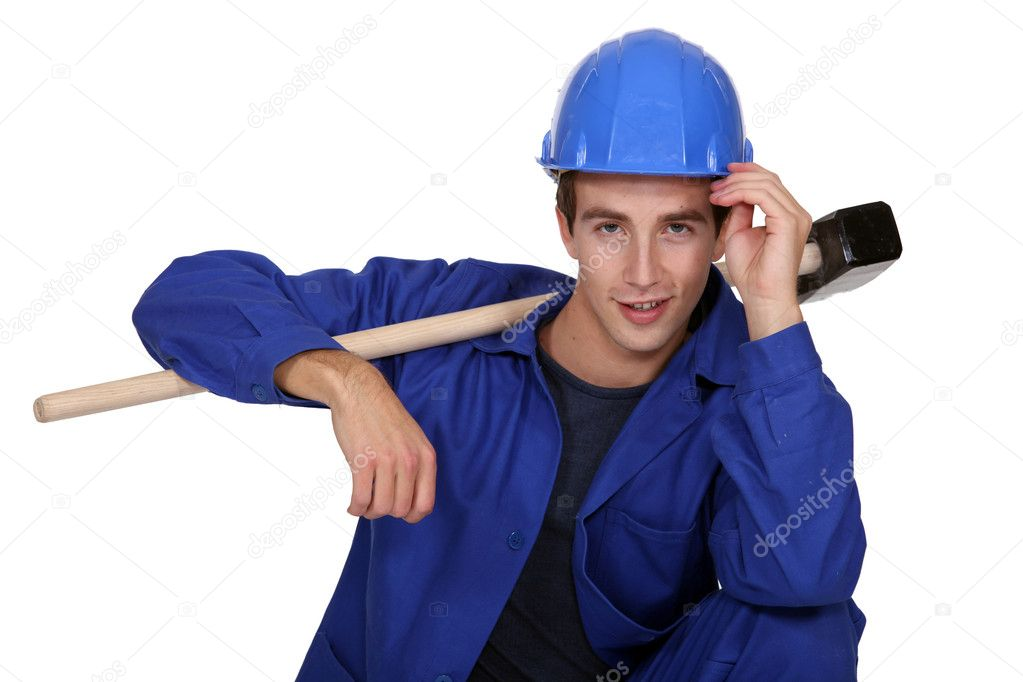 Man casual posing with sledge hammer — Stock Photo #9681079