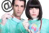 Personal médico con signo y globo — Foto de Stock