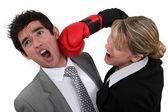 Empresario y empresaria de boxeo — Foto de Stock