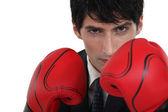Affärsman med boxhandskar. — Stockfoto