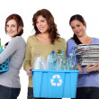 Women recycling domestic waste - 图库照片