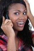 Mujer olvidadiza por teléfono — Foto de Stock