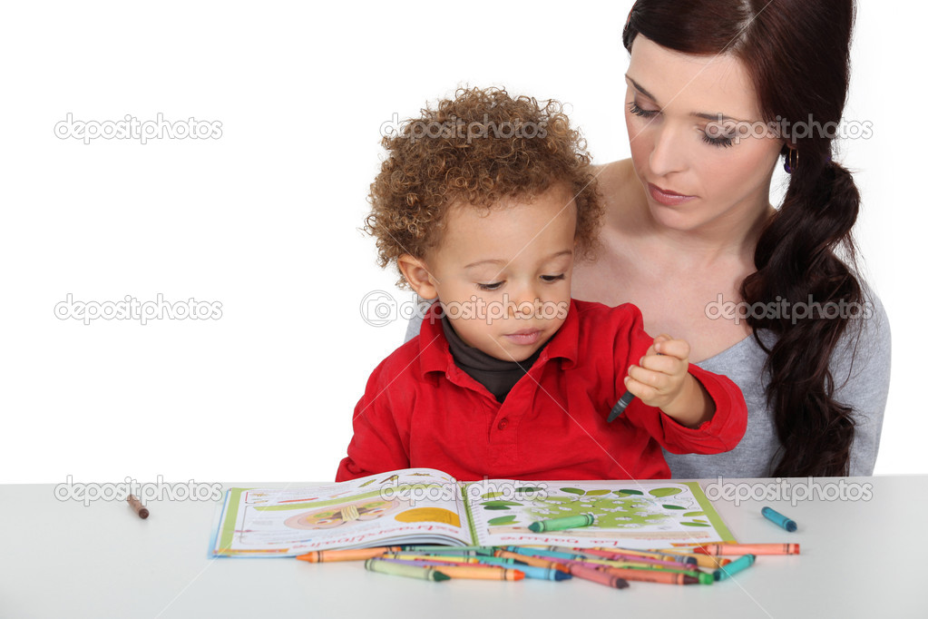 Mother encouraging creative toddler — Stock Photo #9811299