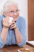 Babcia o kawy — Zdjęcie stockowe
