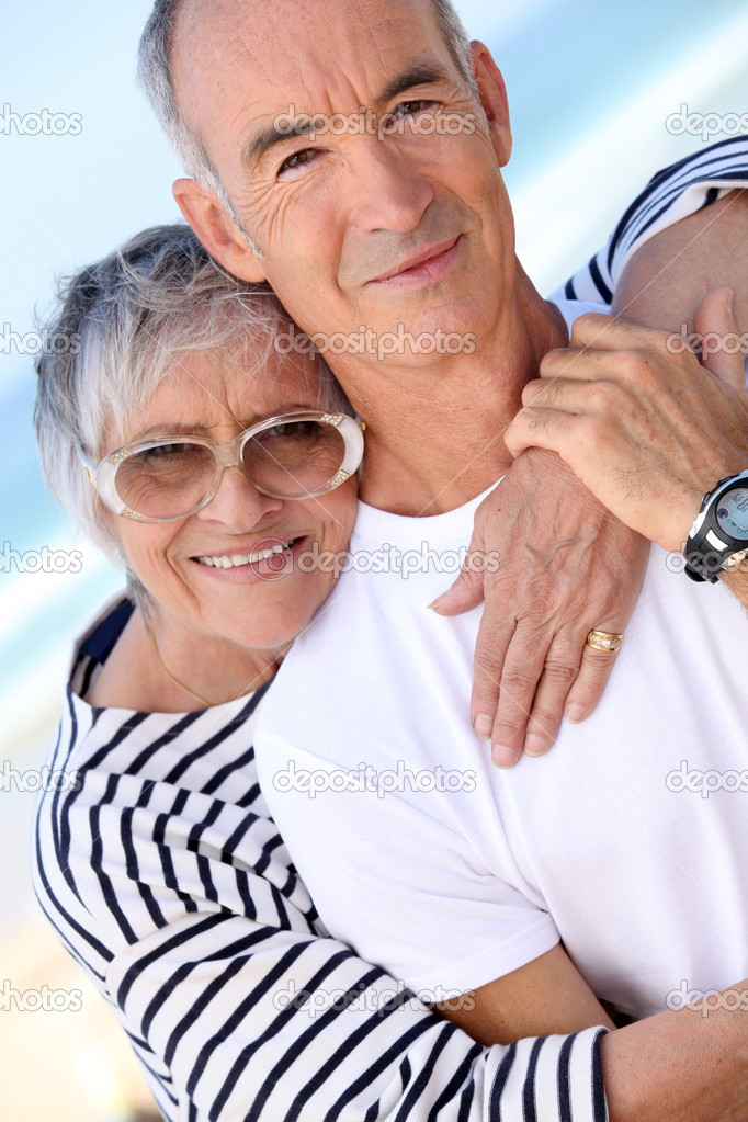 Mature couple embracing — Stock Photo #9823973