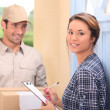 Man delivering parcel — Stock Photo