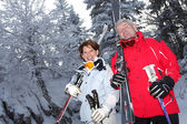 スキーのカップル — ストック写真