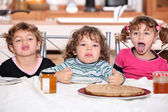 Children snacking — Stock Photo