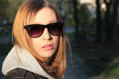 Girl in sunglasses — Photo