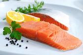 Fresh salmon fillet — Stock Photo