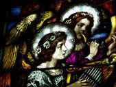 Gebrandschilderd glas met engelen — Stockfoto