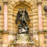 Saint Michel fountain in Paris — Stock Photo #10491397
