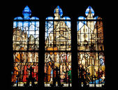 Stained glass window of the church Saint Etienne in Paris — ストック写真