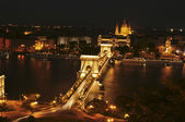 The view of the Chain Bridge by night — 图库照片