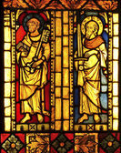 聖ペーテルおよび聖パウロを備えステンド グラス — ストック写真