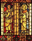 Gebrandschilderd glas met st. petrus en st. paulus — Stockfoto