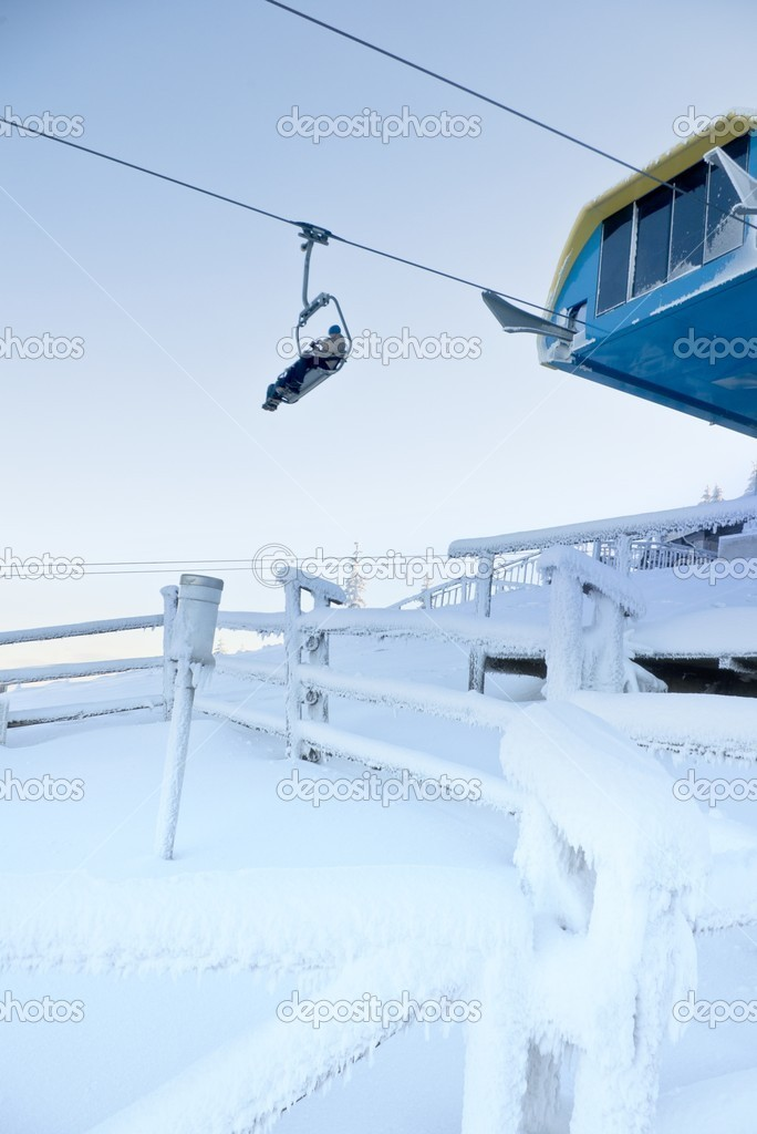 Ski lift in winter — Stock Photo #8011233