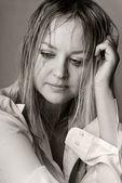 哭伤心年轻女子肖像 — 图库照片