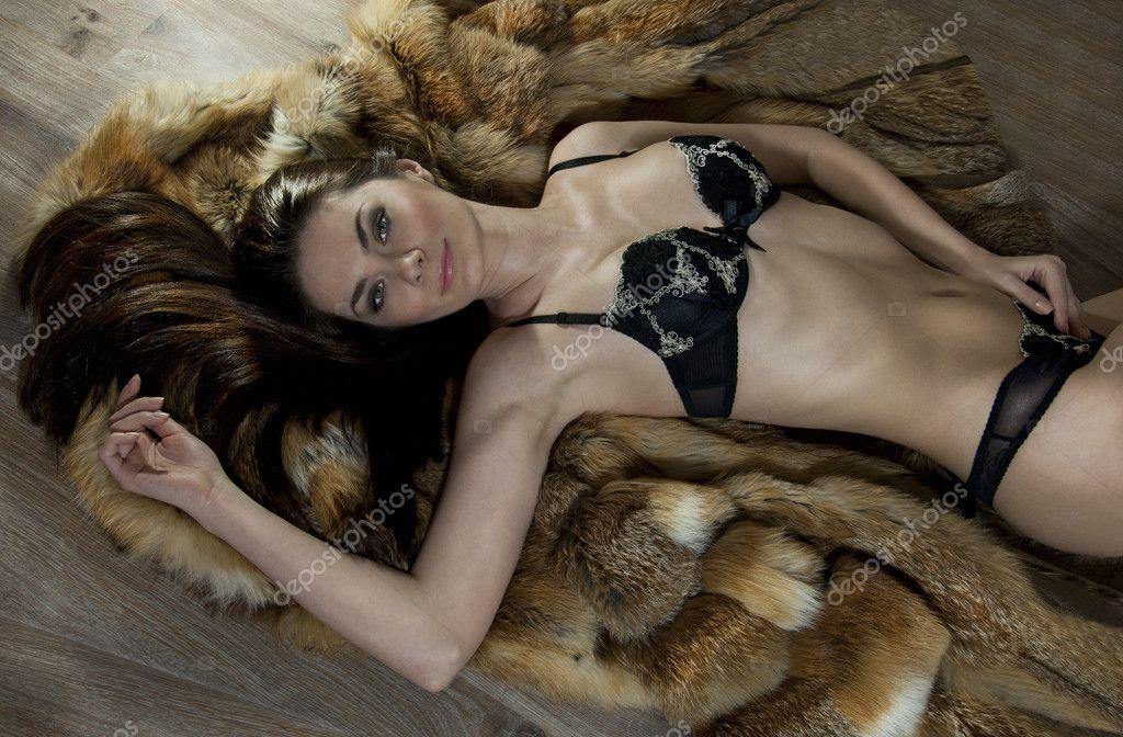 Фото гола жінка