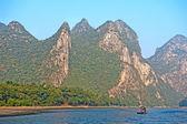 Li river near Yangshuo Guilin Mountains — Stock Photo