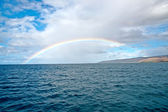 Kauai Island shore and the rainbow — Stock Photo