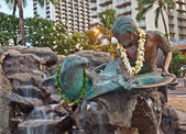 Makua & Kila statue in Waikiki, Oahu Island Hawaii — Stock Photo