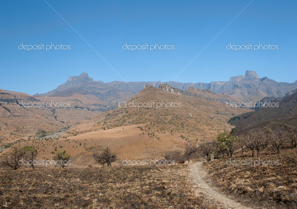 Amphitheater Drakenberg Mountains in Royal Natal National Park, South Africa — Stock fotografie #9713317